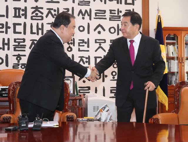 文의장, 3당 원내대표 재소집 한국당 불참…본회의 막막