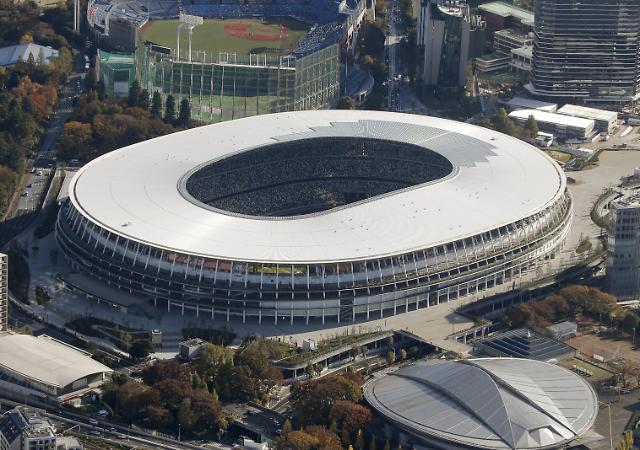 2020 도쿄올림픽 경기장 준공식…아베 등 참석