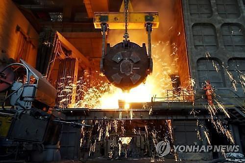 중국 11월 산업생산 전년 比 6.2%↑... 5개월래 최고