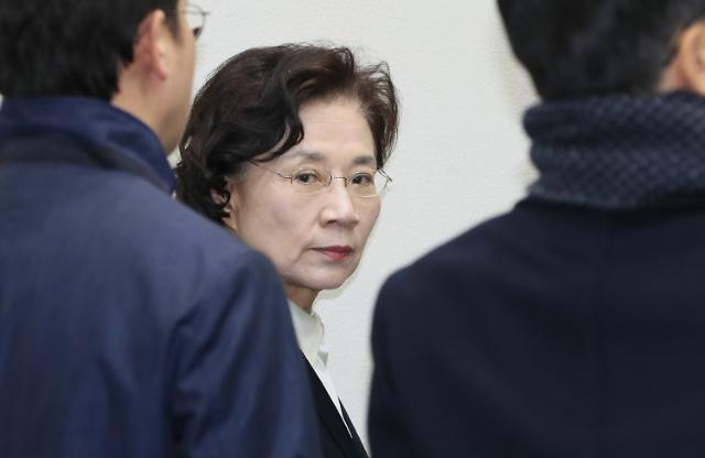 """'폭행 혐의' 이명희 """"공소사실 인정하나 상습성 없다"""""""