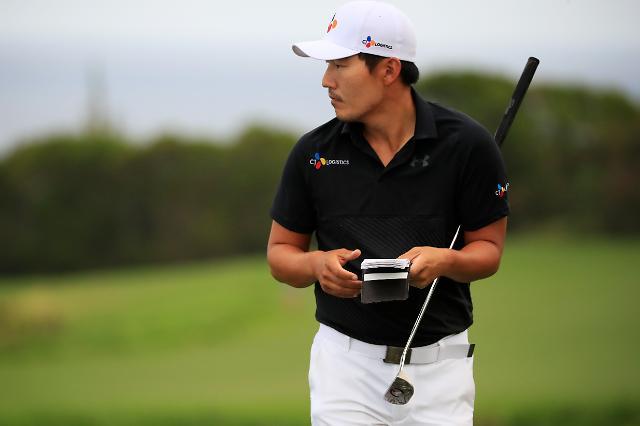 강성훈, PGA 왕중왕전 1R 중위권…선두는 니에만