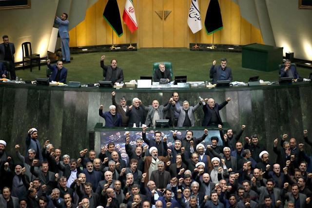 이란 사태로 석유·가스 수급 위기 땐 2억 배럴 비축유 방출