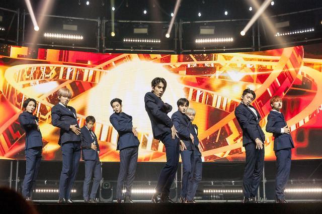[AJU★현장] 슈트로 돌아온 SF9, 슈트가 가장 멋진 멤버는 로운