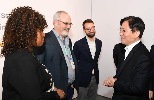 """[CES 2020]성윤모 장관, 우버·구글에 """"미래 차 등 투자·협력하자"""""""