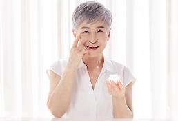 """.韩化妆品研究院:企业应抓住中国""""银发族""""这一大客户."""
