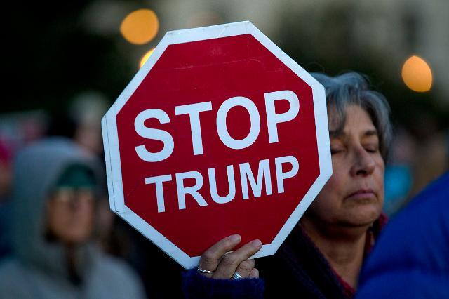 [포토] 미 의회 앞은 반전 운동 중