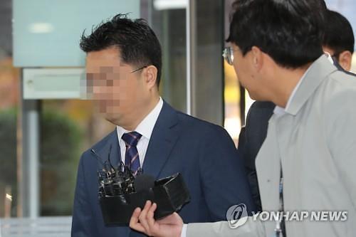 """인보사사태 코오롱 임원 첫 재판서 혐의 부인…""""과학적 착오"""""""