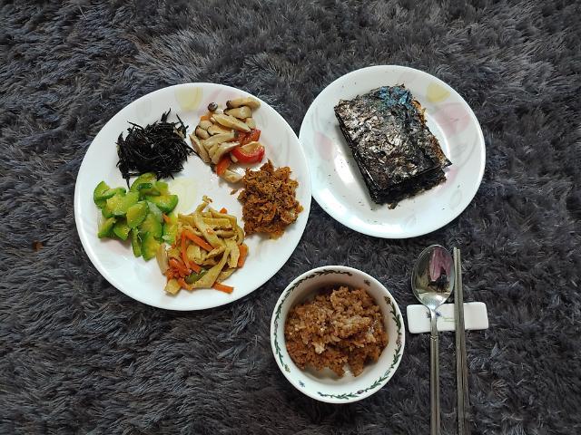 """[아주리뷰] """"내가 만든 음식이 이렇게 맛있다고?""""...쿠첸 로봇쿠커, 집밥 시대를 열다"""