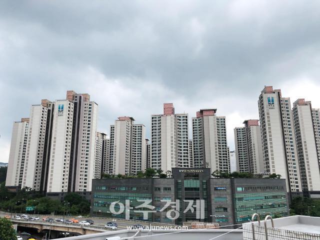 """[아파트부자들] 빚에 쫓기던 젊은이가 100억원대 자산가로…""""강남서 30년 버텼죠"""""""