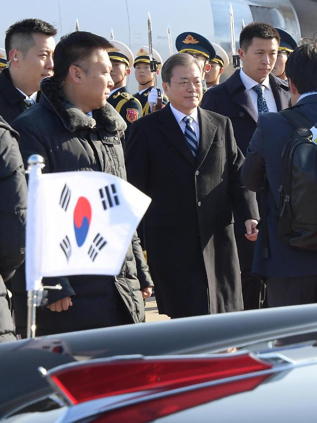 문재인 대통령, 오늘 '수보 회의' 생략…내일 신년 기자회견 준비 매진