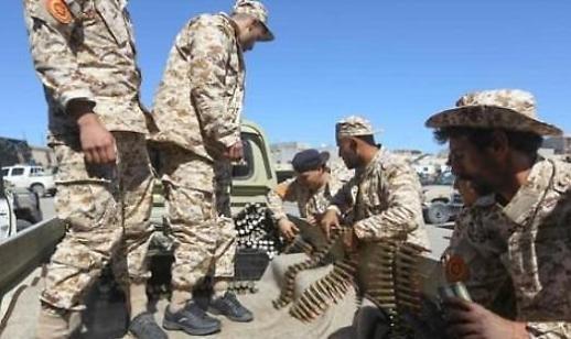 내전으로 갈라진 리비아 '아랍의 봄' 끝났나