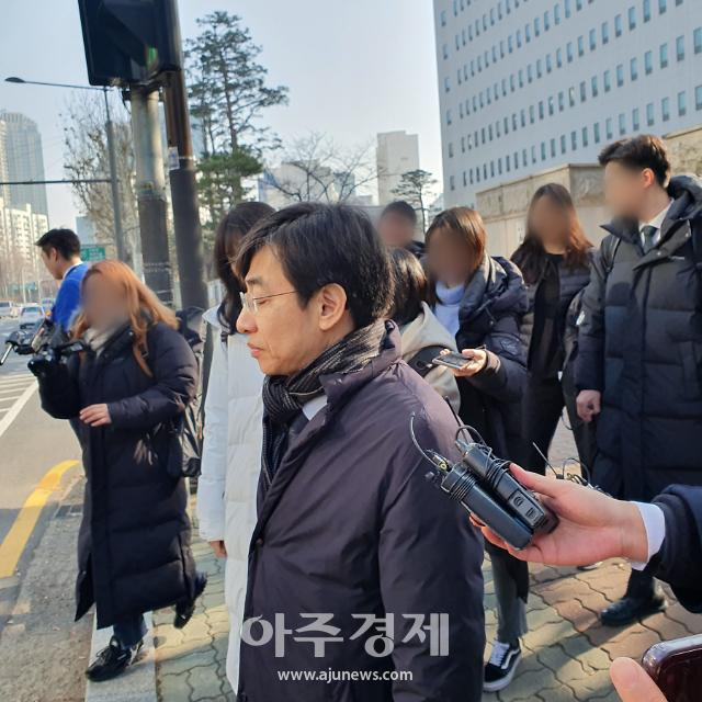 """영장없이 압수수색…'불법촬영' 혐의 김성준 """"원래보다 낮은 형량 받을 듯"""""""