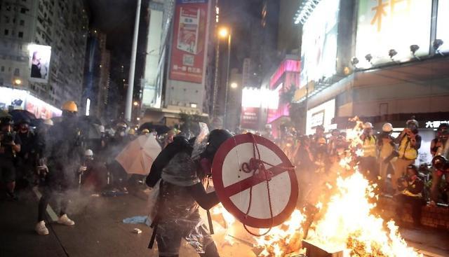 [윤정훈 기자의 해외주식 톡] 홍콩시위와 KKR, 그리고 국민연금
