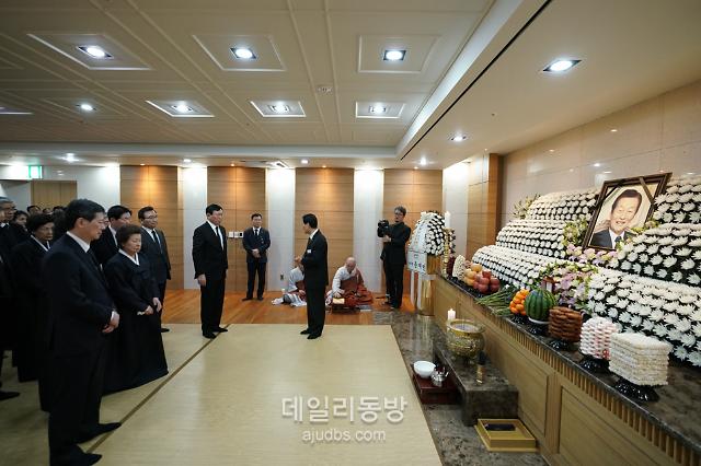 [신격호 빈소] 신동빈 회장 등 가족 30명 모여