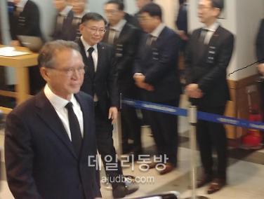 [신격호 빈소] 김형오 한국당 공천관리위원장 영도다리 교체 비용 전액 부담