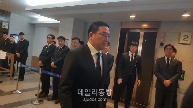 [신격호 빈소] 구광모 LG 회장 침묵 속 10여분간 조문