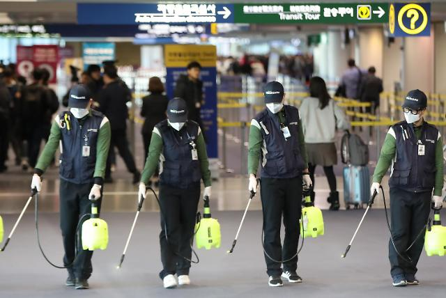 机场消毒防范新型冠状病毒肺炎