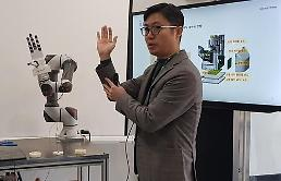.Researchers develop human hand-like robot manipulator capable of moving eggs.
