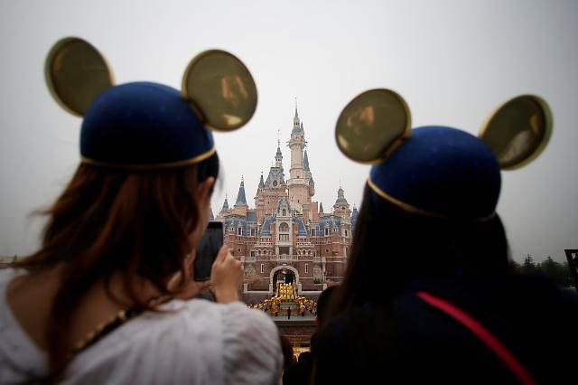 [중국포토] 우한폐렴 우려에 상하이 디즈니랜드 임시 휴업
