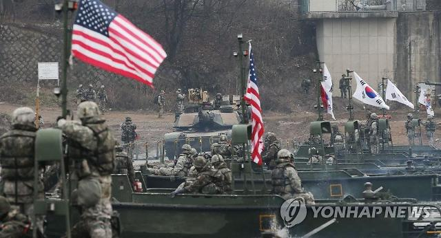 주한미군, 한국인 근로자 무급휴직 예고... 방위비 압박 본격화