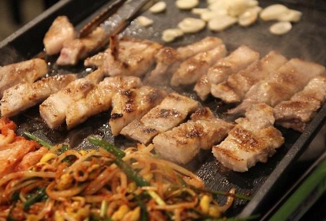 2TV 생생정보  삼겹살+닭갈비 무한리필 미친생고기 위치는?