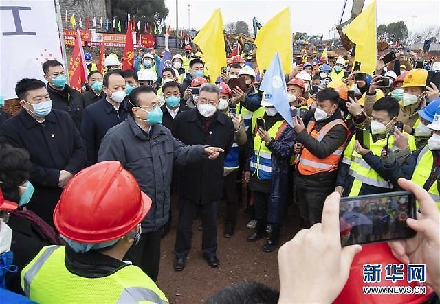 中国新型肺炎死亡者超过100名 北京出现首例死亡患者(综合)