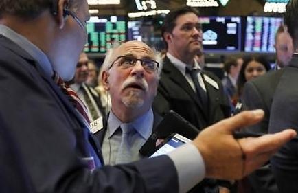 [纽约股市收盘]关注新型冠状病毒 油价同步上升