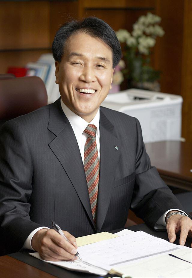 김지완 BNK금융 회장 연임… 차기 대표이사 회장 후보 확정