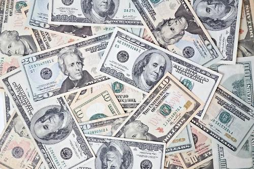 한달 새 2% 뛴 달러...미국증시 랠리 새 걸림돌 되나