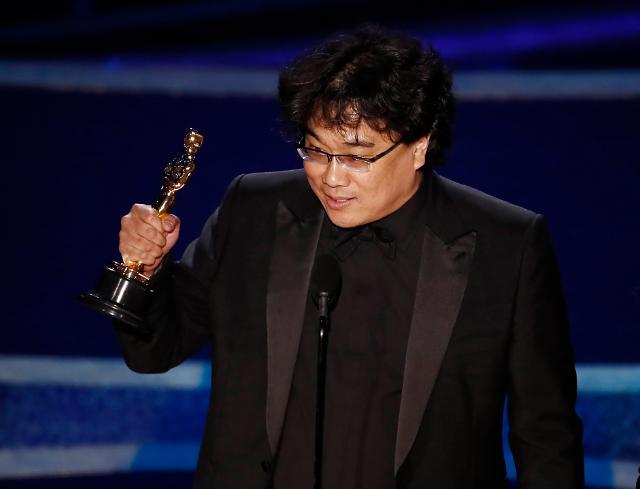 奉俊昊成奥斯卡最大赢家站上好莱坞顶峰