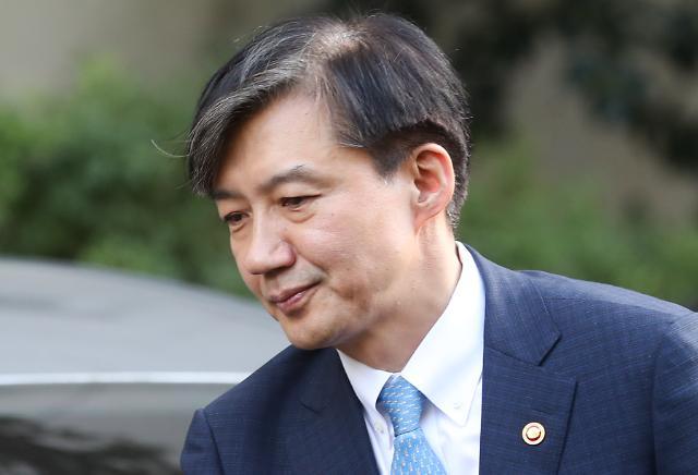 """[단독]조국 측 """"웅동중 교장 제안, 사실 아냐. 선친의 덕담 전했을 뿐"""""""