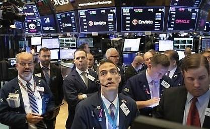 [纽约股市收盘]期待新冠疫情缓解 S&P500·纳斯达克再刷新纪录