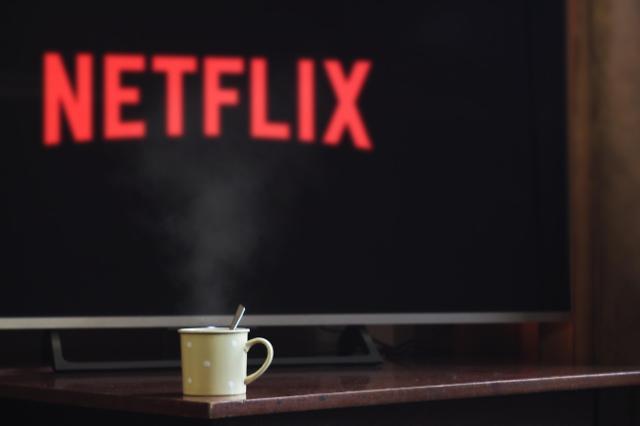 [OTT 전쟁의 서막] 넷플릭스, 구독경제 시대 열어