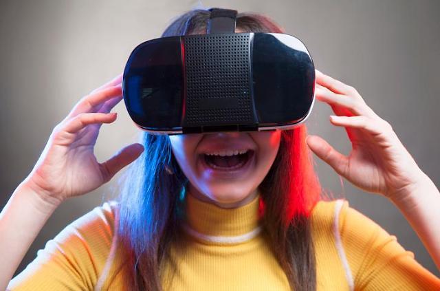 이통3사가 VR·AR 판 키우는 이유