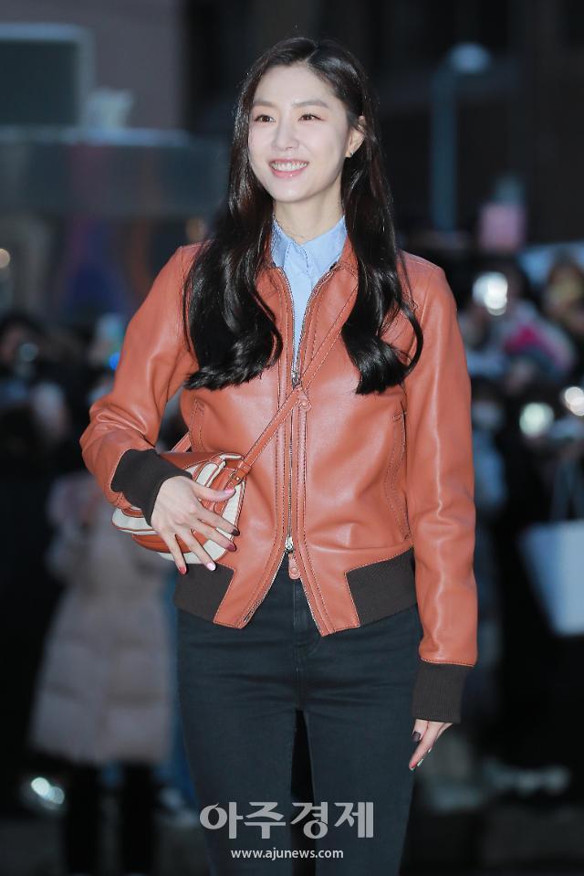 [슬라이드 화보] 서단 역 배우 서지혜 사진모음 13장 (사랑의 불시착 종방연)