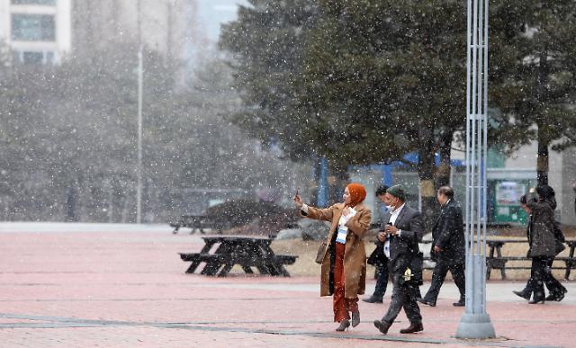 在韩滞留外国人数突破250万 中国籍者占43.6%