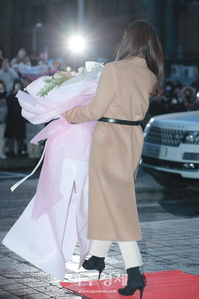 [슬라이드 화보] B컷 대방출, 윤세리 역 배우 손예진 (사랑의 불시착 종방연)