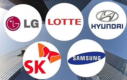 Vốn hóa thị trường của tập đoàn Samsung tăng 48 nghìn tỷ KRW…Biến động trong top 10 tập đoàn có vốn hóa thị trường cao nhất
