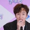 .Actor Lee Kwang-soo to receive ankle surgery after car accident.