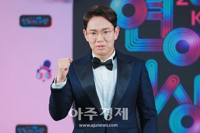 장성규 입술 부상으로 굿모닝FM 불참···송진우 스페셜 DJ