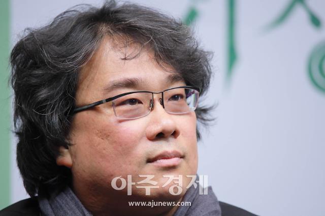 [포토] 생각에 잠긴 봉준호 감독 (기생충 기자회견)