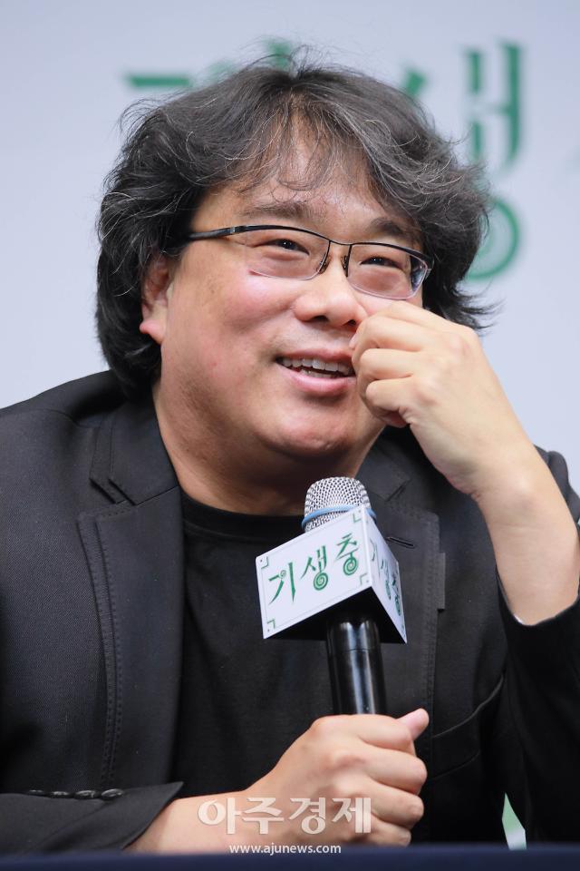"""봉준호 감독 """"차기작 2편…기생충 영향X, 만들대로 만들 것"""""""