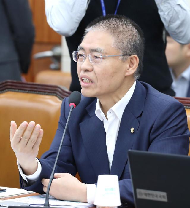 """최교일, 총선 불출마 선언...""""여당 횡포 막지 못해"""""""