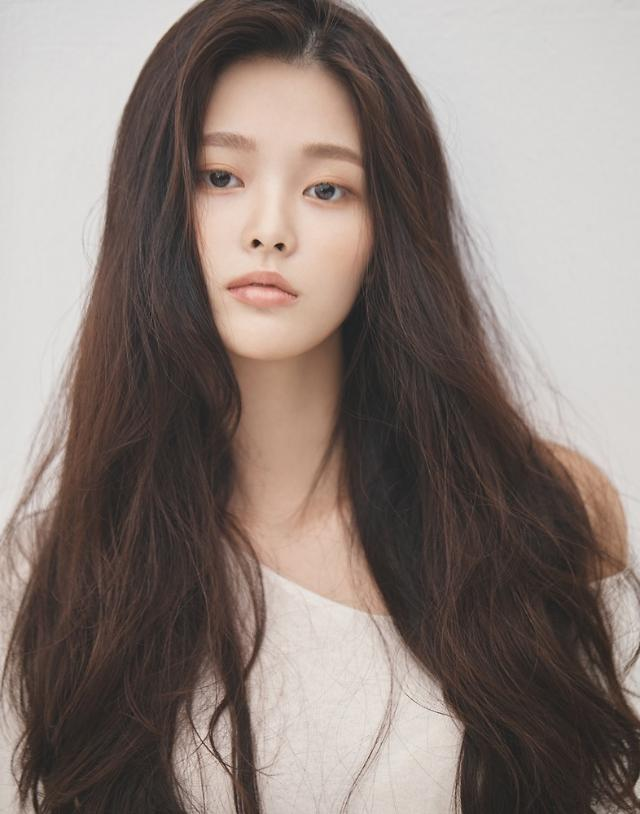 '날씨' '그 남자 기억법' 출연 신예 박지원, FNC엔터와 전속계약