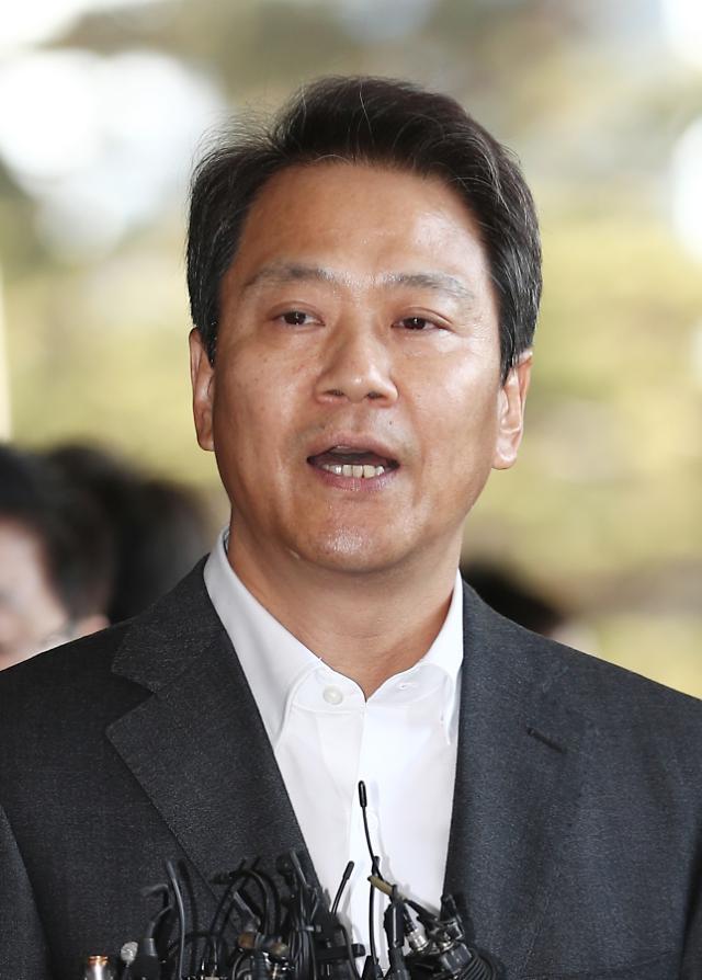 "UAE 다녀온 임종석 ""모하메드 왕세제와 3차 정상회담 기대"""