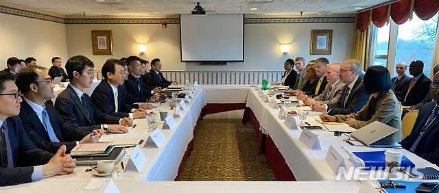 정경두, 한·미 국방장관 회담 차 미국行... 방위비 협상 중점 논의