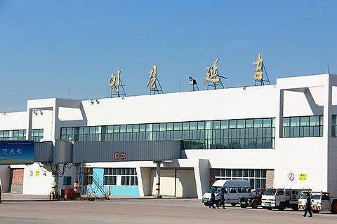 """中 옌지공항, 한국발 승객 방역 강화 """"전용통로 설치"""