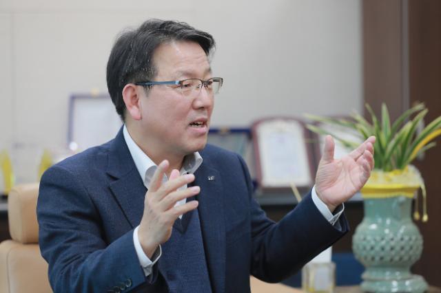 [아주초대석] 9년 연속 글로벌 100대 혁신기업···김영근 LS산전 CTO, 33년 한우물 결실