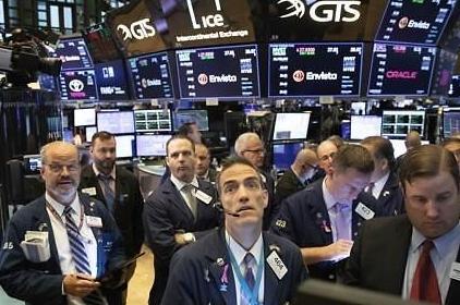 [纽约股市收盘]暴跌3%后又下跌3%  新冠疫情令股市动荡不安