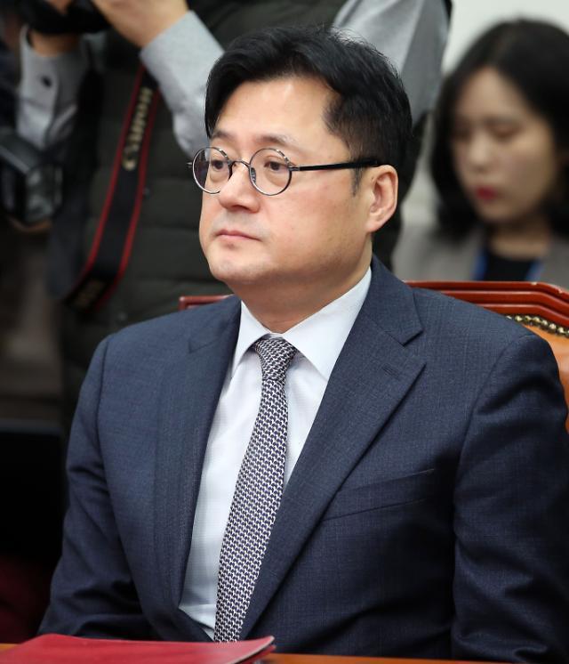 홍익표, 대구·경북 봉쇄 발언 논란에 사퇴